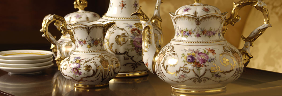 We Buy and Sell Rare Fine China Set